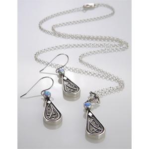 Set - Tropfenförmiger Anhänger an Silberkette & Ohrhänger mit Opal