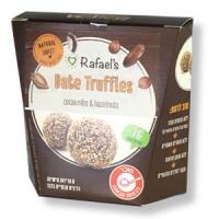 Dattel-Trüffel mit Kakaonibs und Haselnüssen