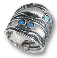 Filigraner und dennoch auffallender Ring